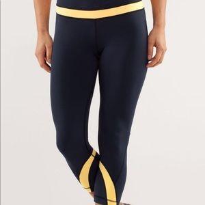 LULULEMON RUN inspire crop II navy/yellow pants 4